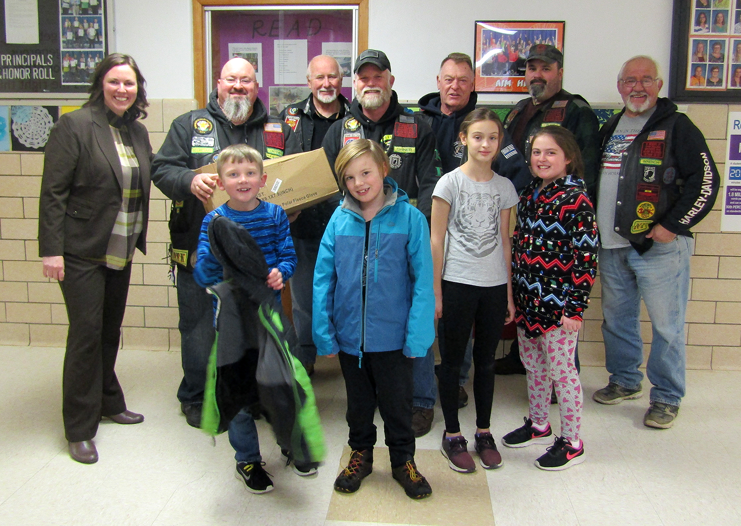 Nam Knights donate gloves