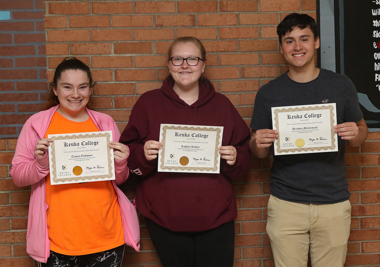 Three students selected for Keuka award