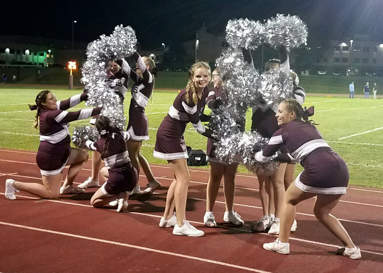 S-E cheerleaders (10/2020)