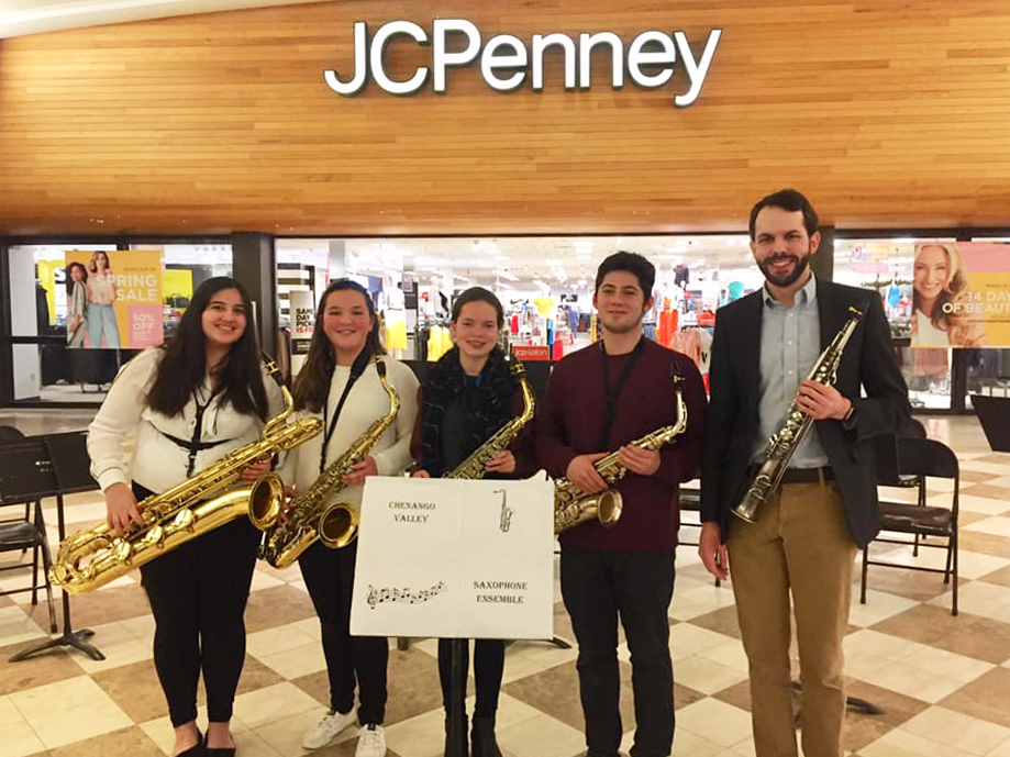saxophone ensemble in oakdale mall
