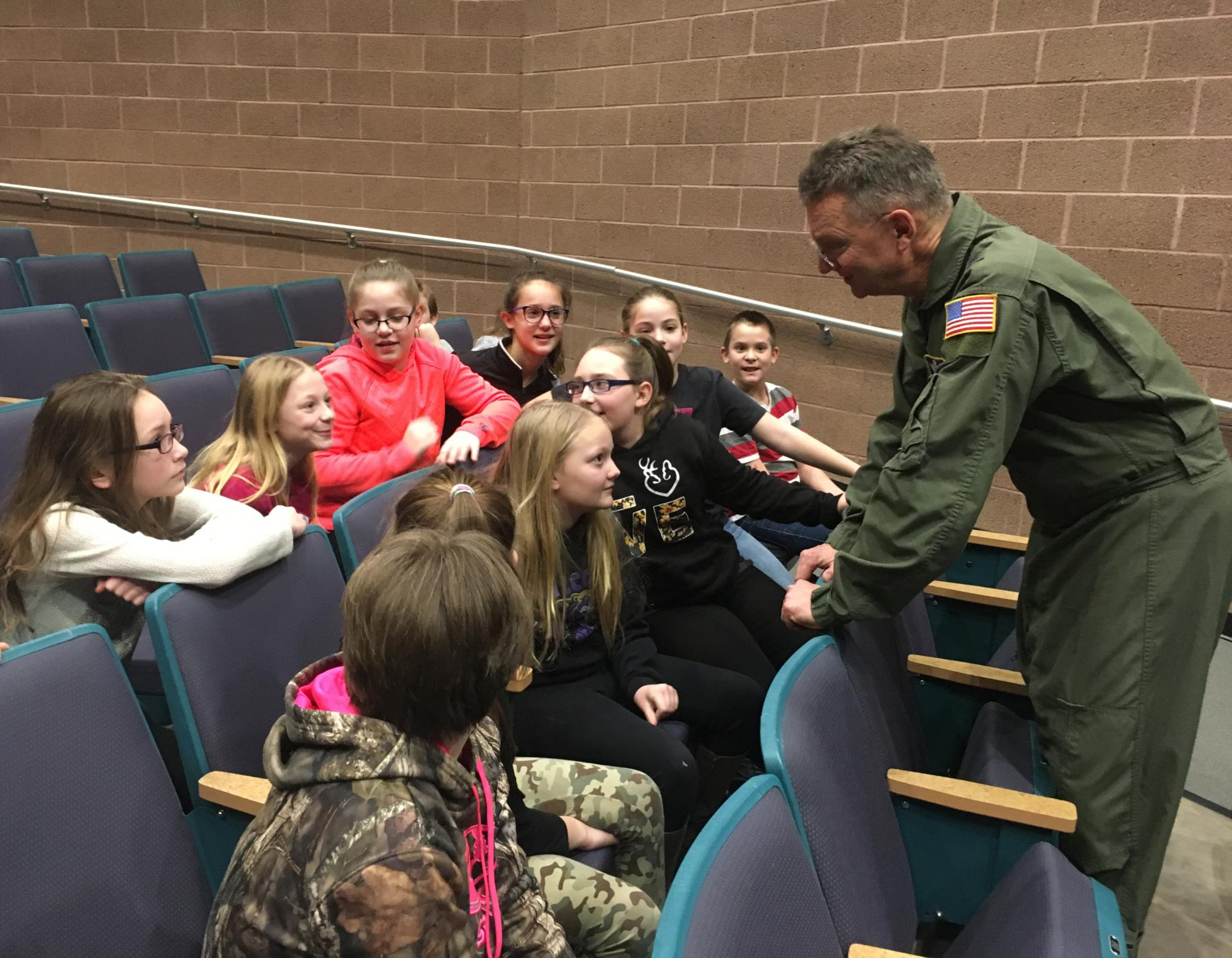 A general talks to kids