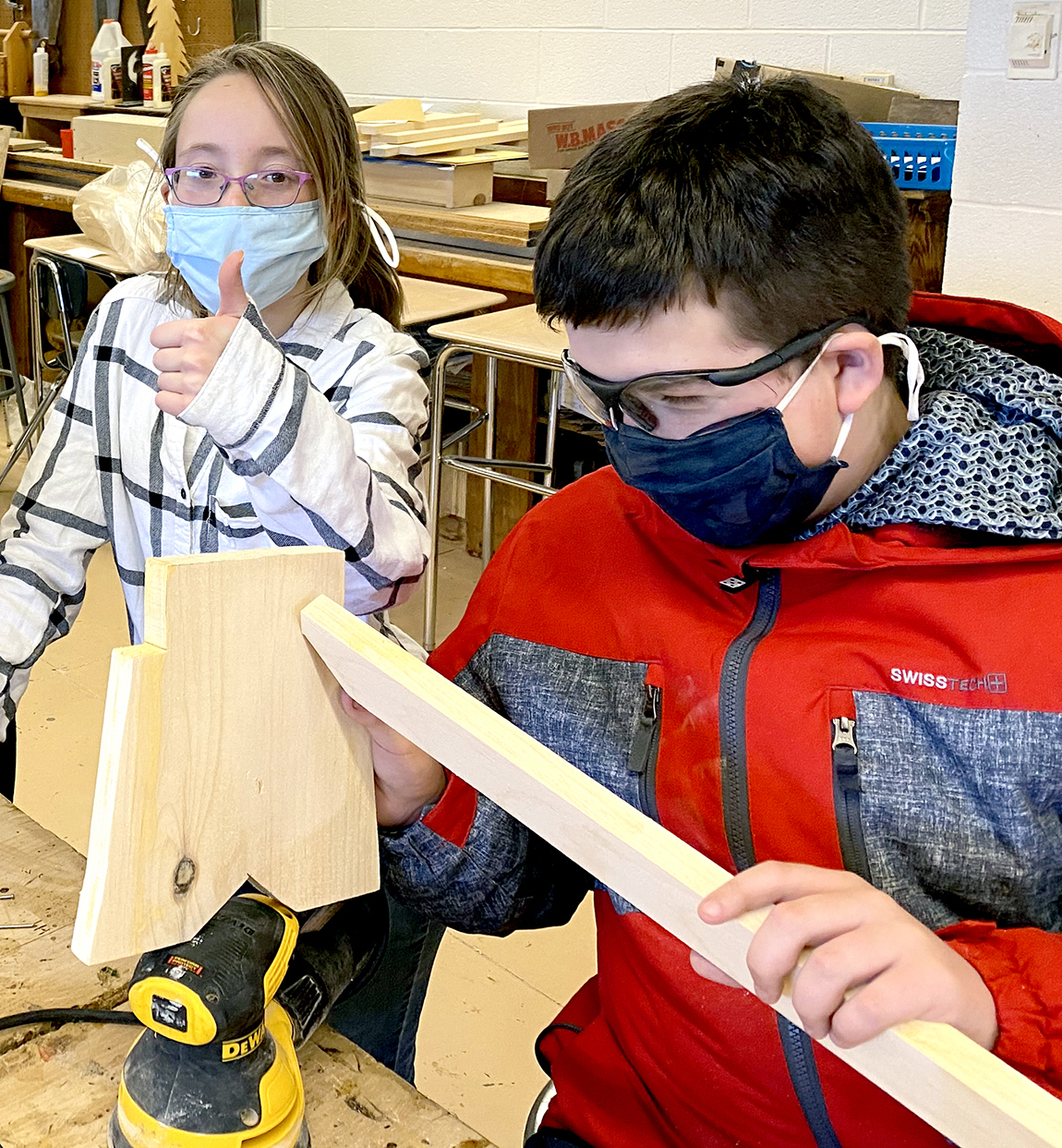 Students building project (2/2021)